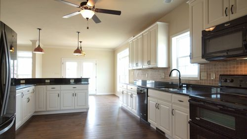 Kitchen-in-Bayberry-at-Deerfield-in-Shippensburg