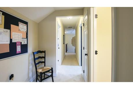 Study-in-Amesbury-at-Rolling Hills North-in-Duncansville