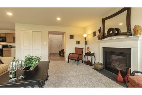 Greatroom-in-Rosewood-at-Edgewood Acres-in-Martinsburg