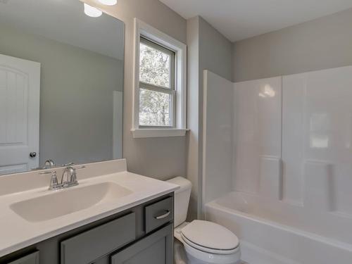 Bathroom-in-Neeley-PC-at-Pebble Creek-in-Watkinsville