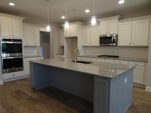 Kitchen-in-Belmont-PC-at-Pebble Creek-in-Watkinsville