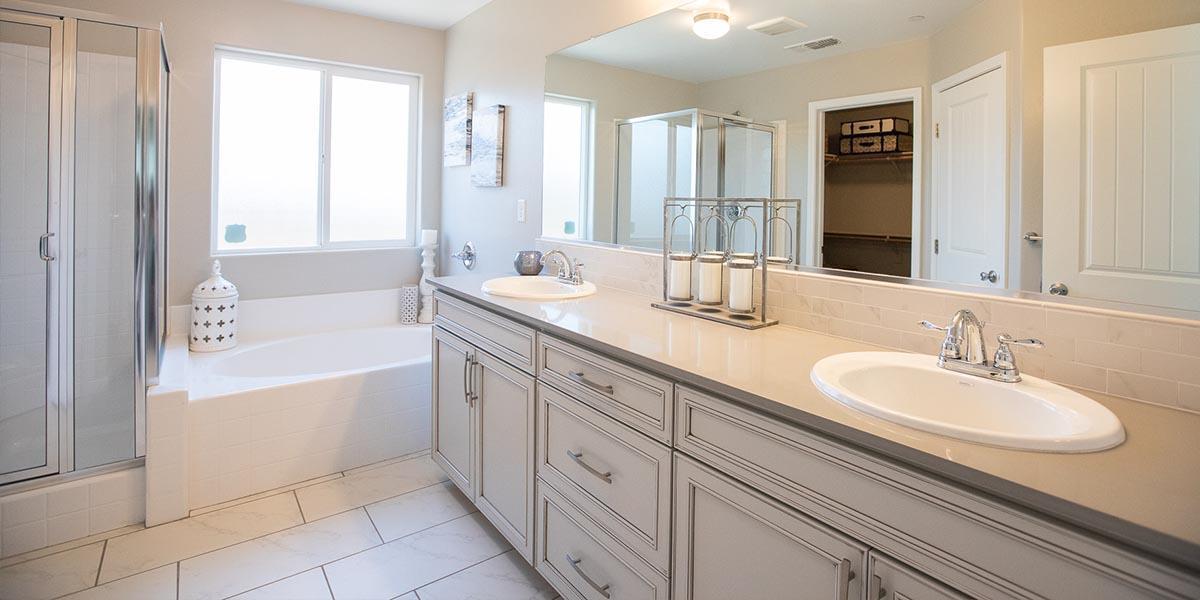 Bathroom featured in the Sierra By S & S Homes in Bakersfield, CA
