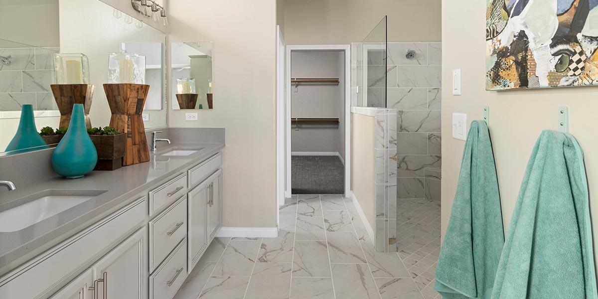 Bathroom featured in the Sonoma By S & S Homes in Bakersfield, CA