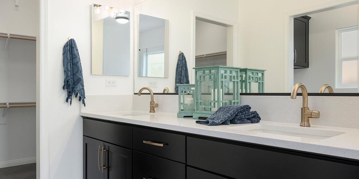 Bathroom featured in the Shasta By S & S Homes in Bakersfield, CA