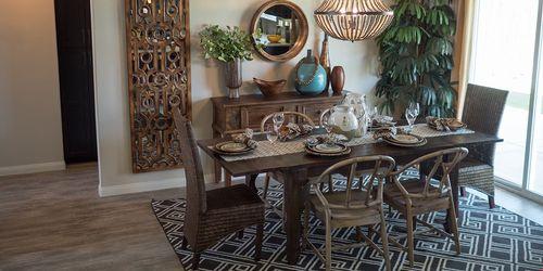 Dining-in-Sedona-at-Wildhorse-in-Bakersfield