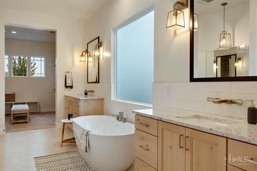 Bathroom-in-Vega C-at-Shooting Star-in-Washington