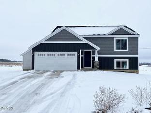 London - River Hills: Newaygo, Michigan - Sable Homes