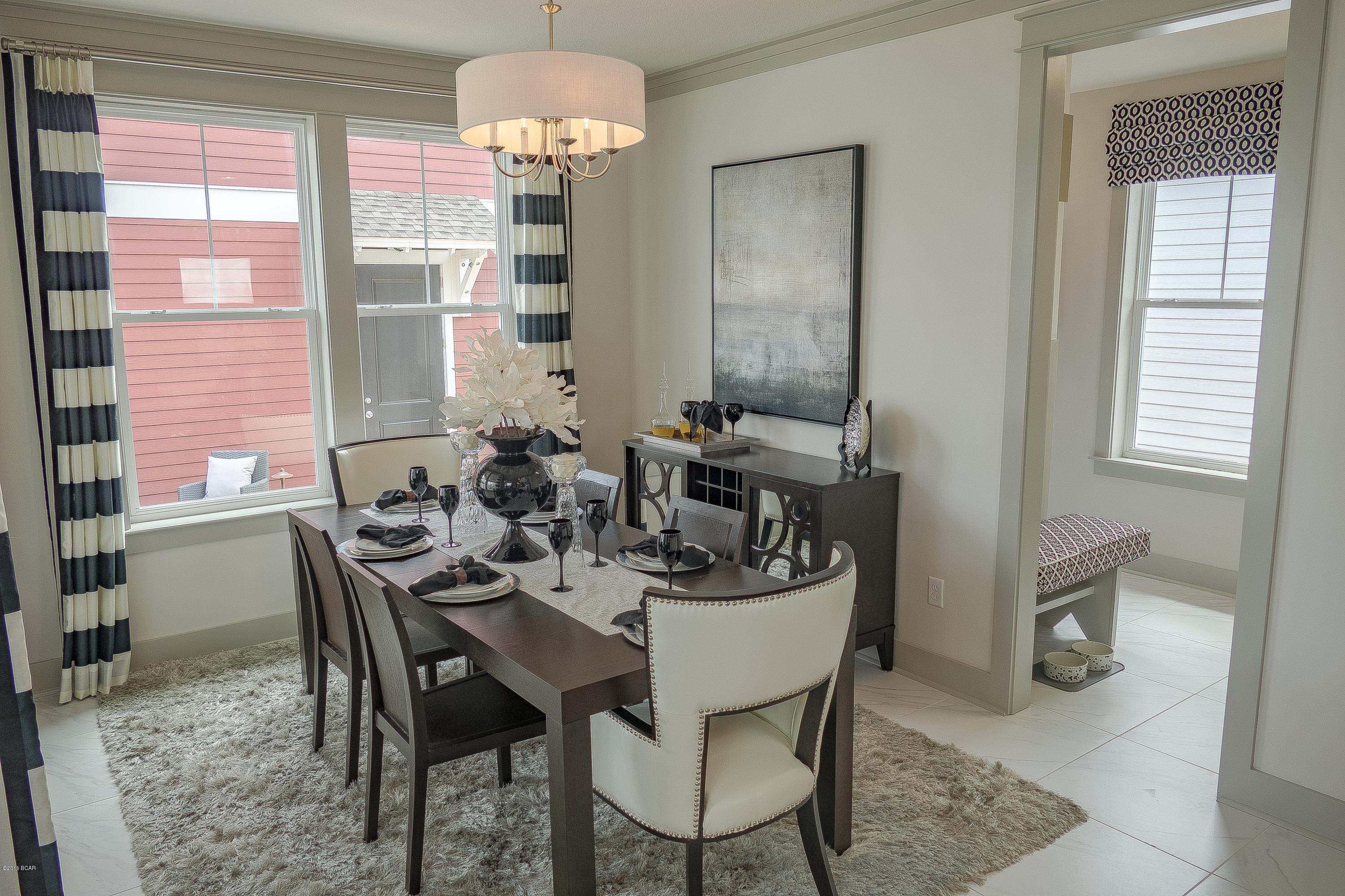 Dining-in-2 E HEARTLEAF Avenue-at-SweetBay-in-Panama City