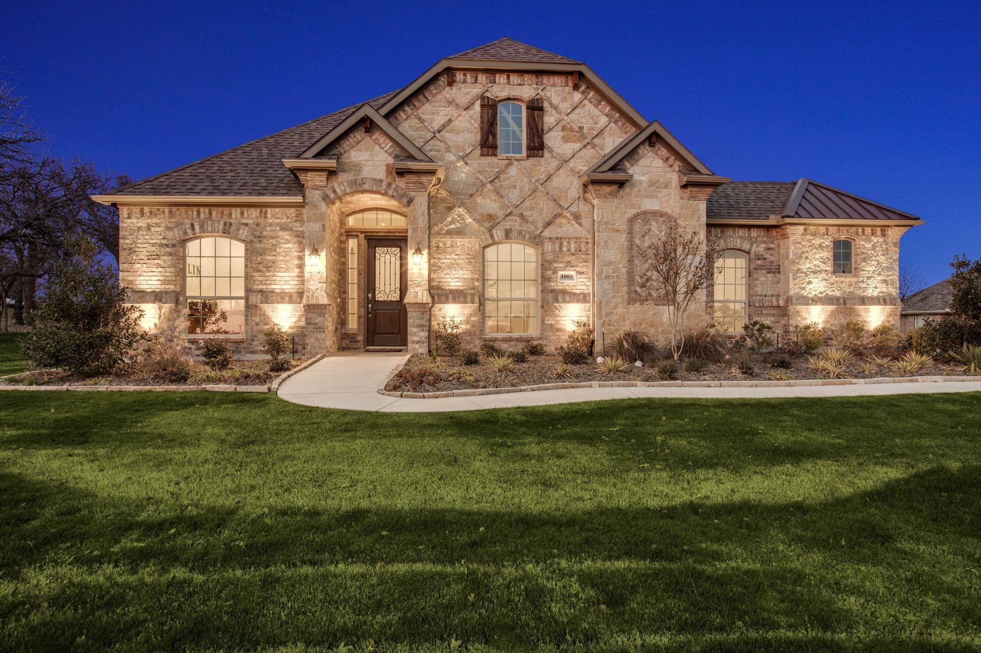 Exterior featured in The Nottingham I By Sandlin Homes  in Fort Worth, TX