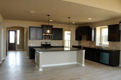 Kitchen-in-Plan 3419 C-at-Blackhawk-in-Pflugerville