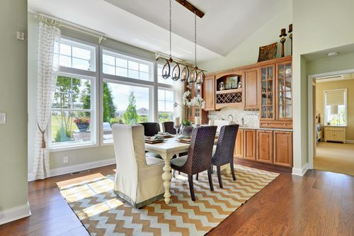 Dining-in-The Whimbrel-at-The Estates at Reddenwood-in-Milton