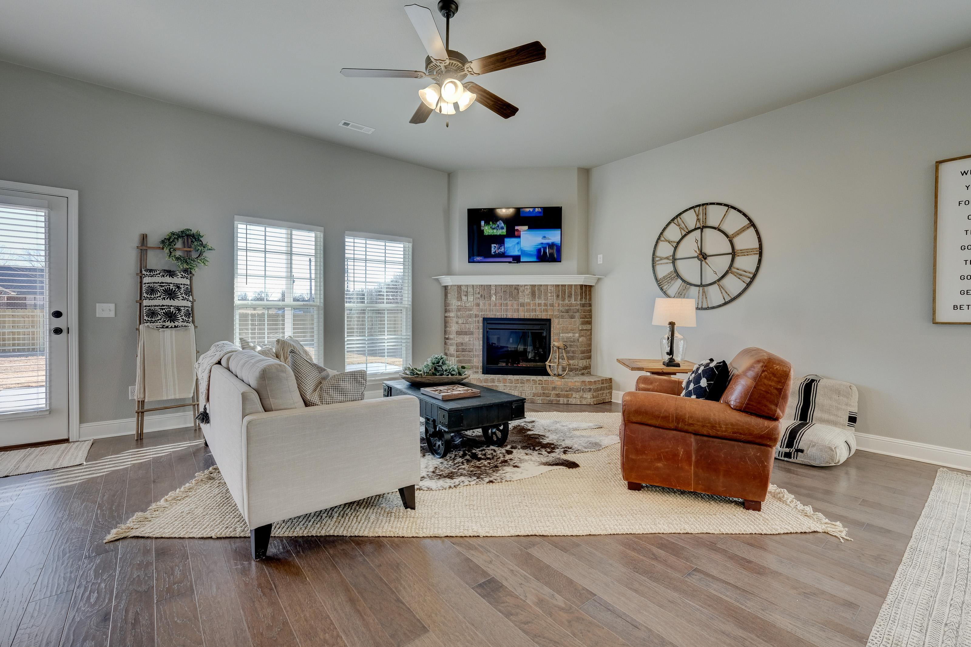 Living Area featured in the 2050KP Series By Schuber Mitchell Homes in Fayetteville, AR