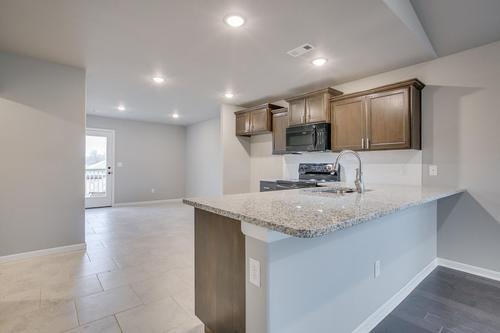 Kitchen-in-1400-4 Series-at-Fox Briar-in-Rogers