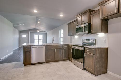 Kitchen-in-1400-4 Series-at-Cedar Point-in-Joplin