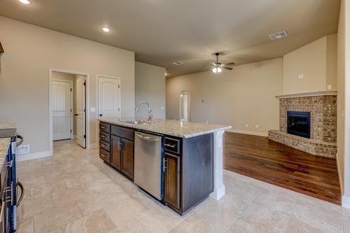 Kitchen-in-1650KI Series-at-Anderson Estates-in-Webb City