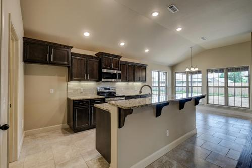 Kitchen-in-1700KI Series-at-Piper Glen-in-Joplin