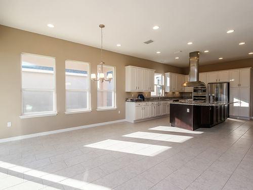 Kitchen-in-Imagine-at-Trilogy Orlando-in-Groveland
