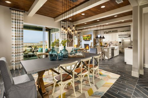 Dining-in-Ventana-at-Trilogy at Monarch Dunes and Monarch Ridge Town Homes-in-Nipomo