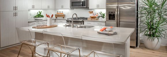 Plan 2 kitchen with center island, counter-height :Plan 2: Kitchen