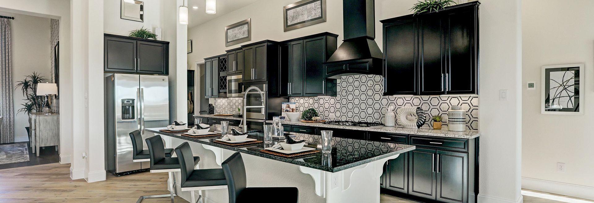 Del Bello Lakes 70 Plan 6015 Kitchen:Plan 6015 Kitchen