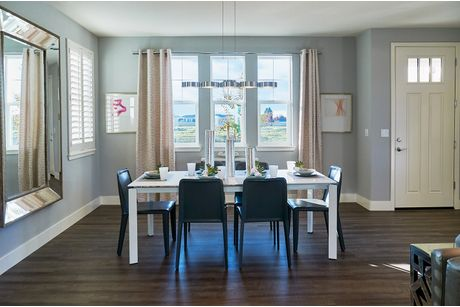 Dining-in-Residence 2-at-Magnolia-in-Rohnert Park