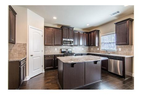 Kitchen-in-Dewhurst-at-The Preakness-in-Covington