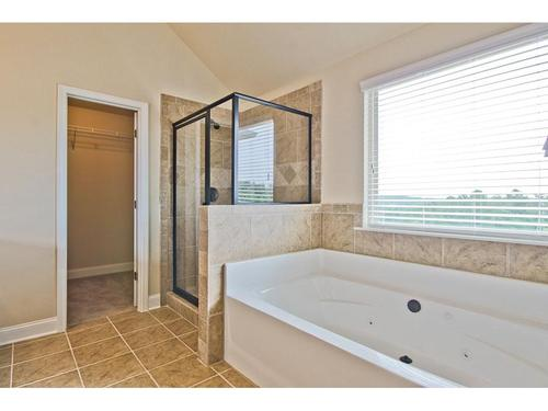 Bathroom-in-Dewhurst-at-The Preakness-in-Covington
