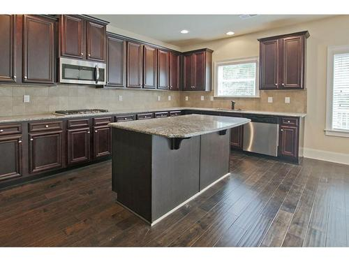 Kitchen-in-Richmond-at-The Preakness-in-Covington