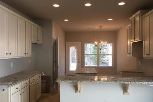 Kitchen-in-Lanier-at-The Adares-in-Adairsville