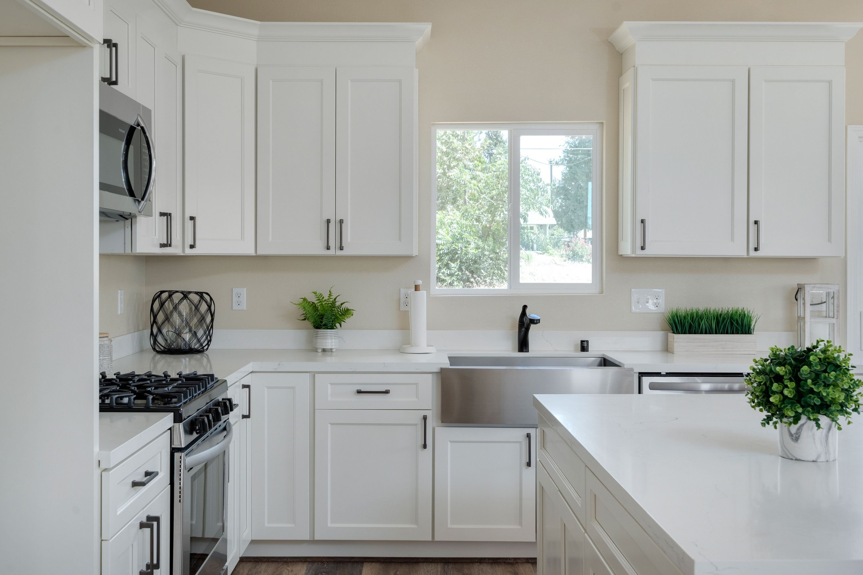 Kitchen featured in the 503 Crestwood Dr By Silvermark Luxury Homes in Chico, CA