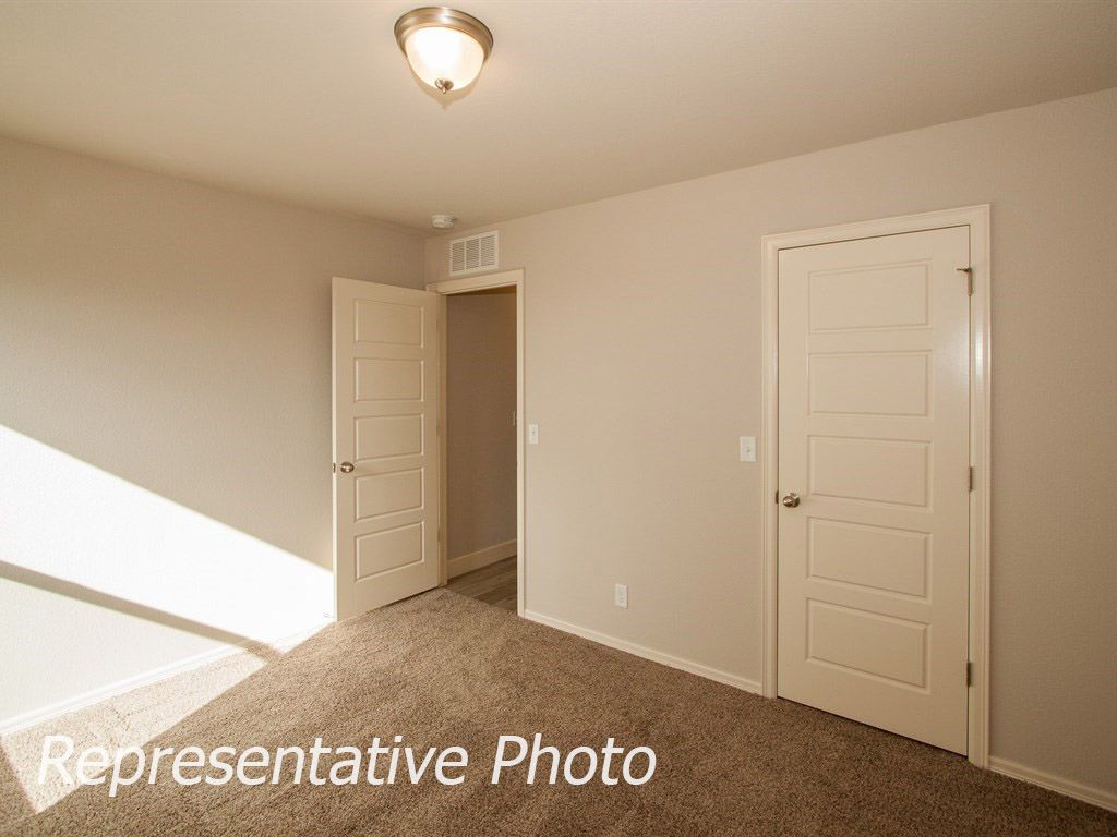 Empty-in-McLemore-at-Breitling Village-in-Jenks