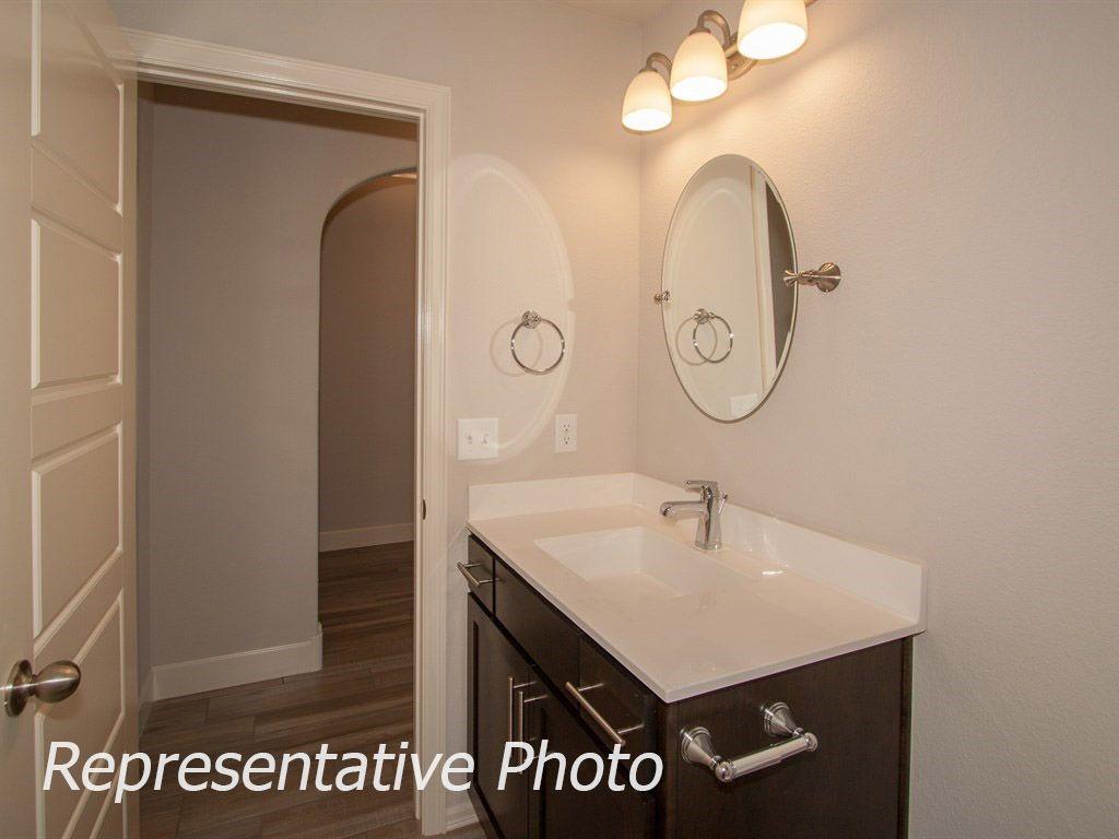 Bathroom-in-McLemore-at-Breitling Village-in-Jenks