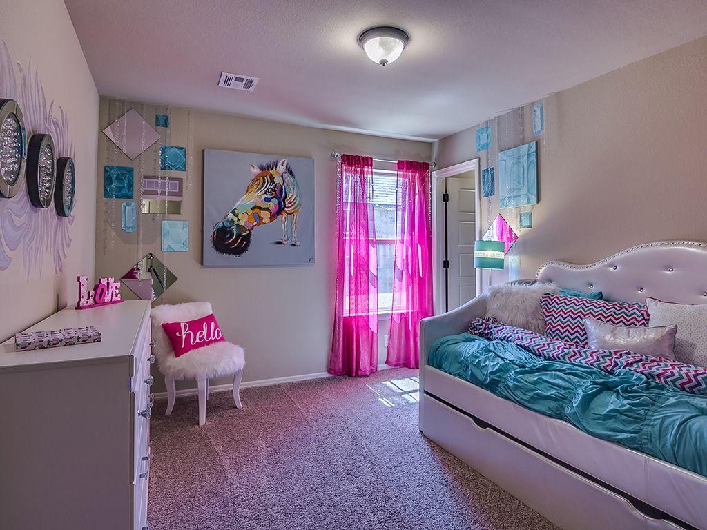 Bedroom-in-Logan-at-Breitling Village-in-Jenks
