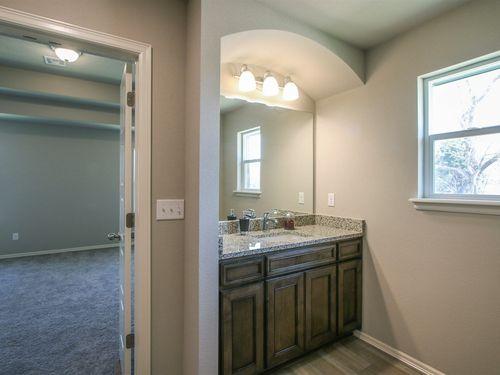Bathroom-in-Sullivan-at-Providence Hills-in-Bixby