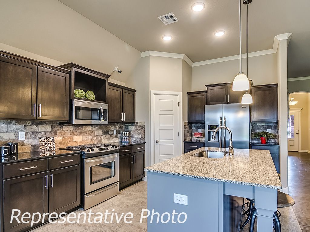 Kitchen-in-Raleigh-at-Breitling Village-in-Jenks