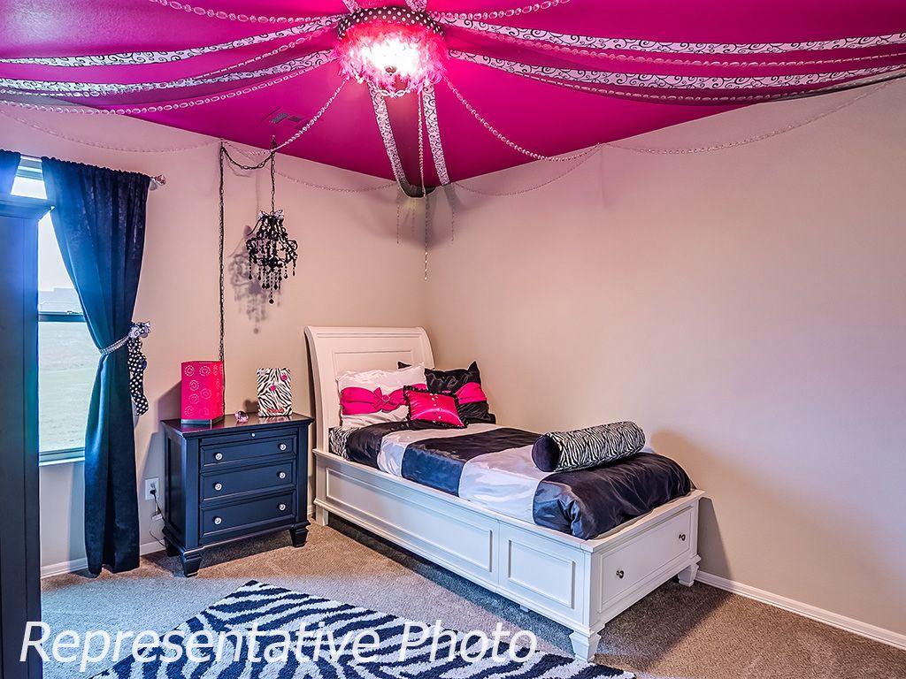 Bedroom-in-Raleigh-at-Breitling Village-in-Jenks