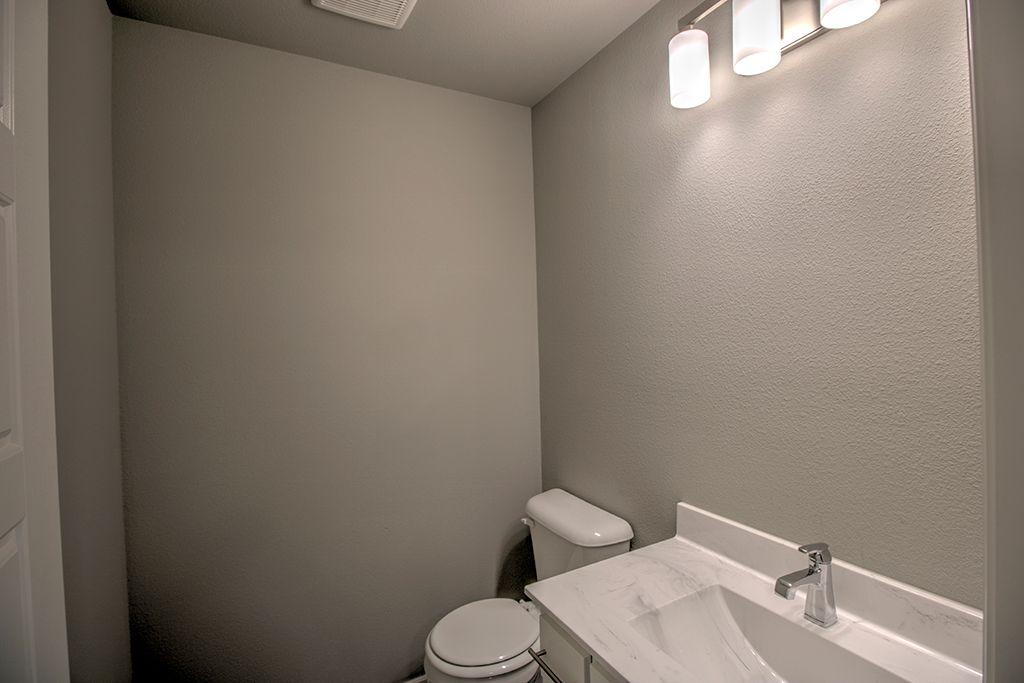 Bathroom-in-Lauren-at-Breitling Village-in-Jenks