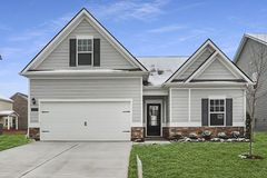 1234 Petunia Dr (The Bayfield)