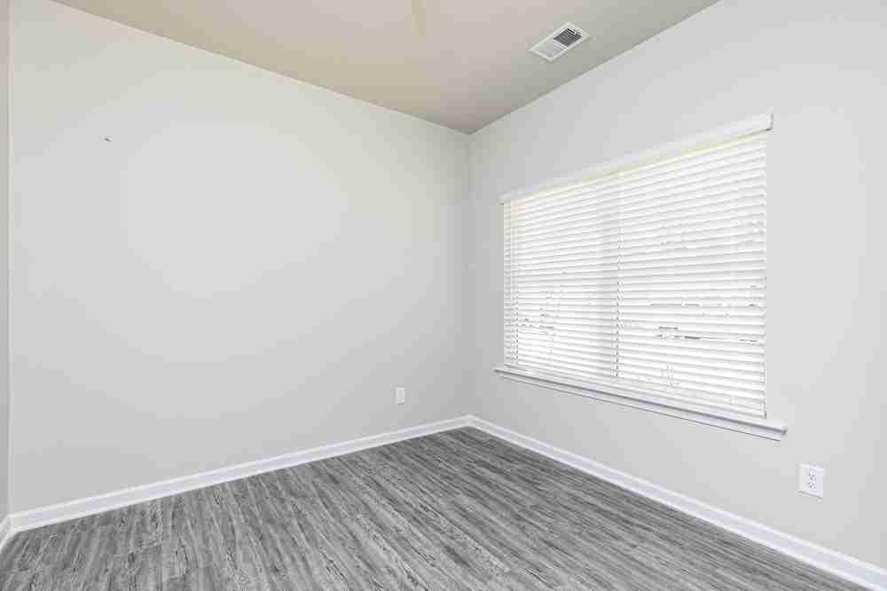 Living Room/Flex Room