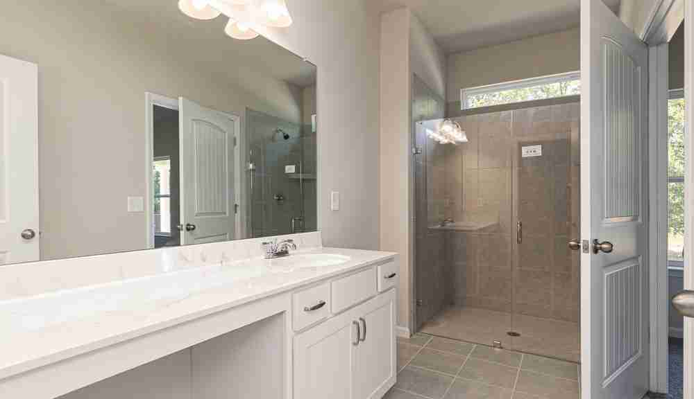 The Peachtree - Owner's Bath