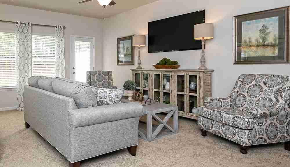 The Suwanee - Family Room