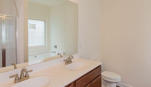 Bathroom-in-The Pruitt-at-Woody Farms-in-Adairsville