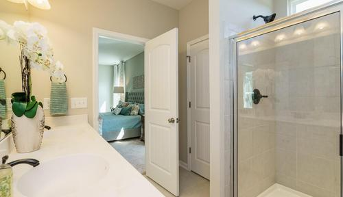 Bathroom-in-The McIntosh-at-Escalades-in-Mableton
