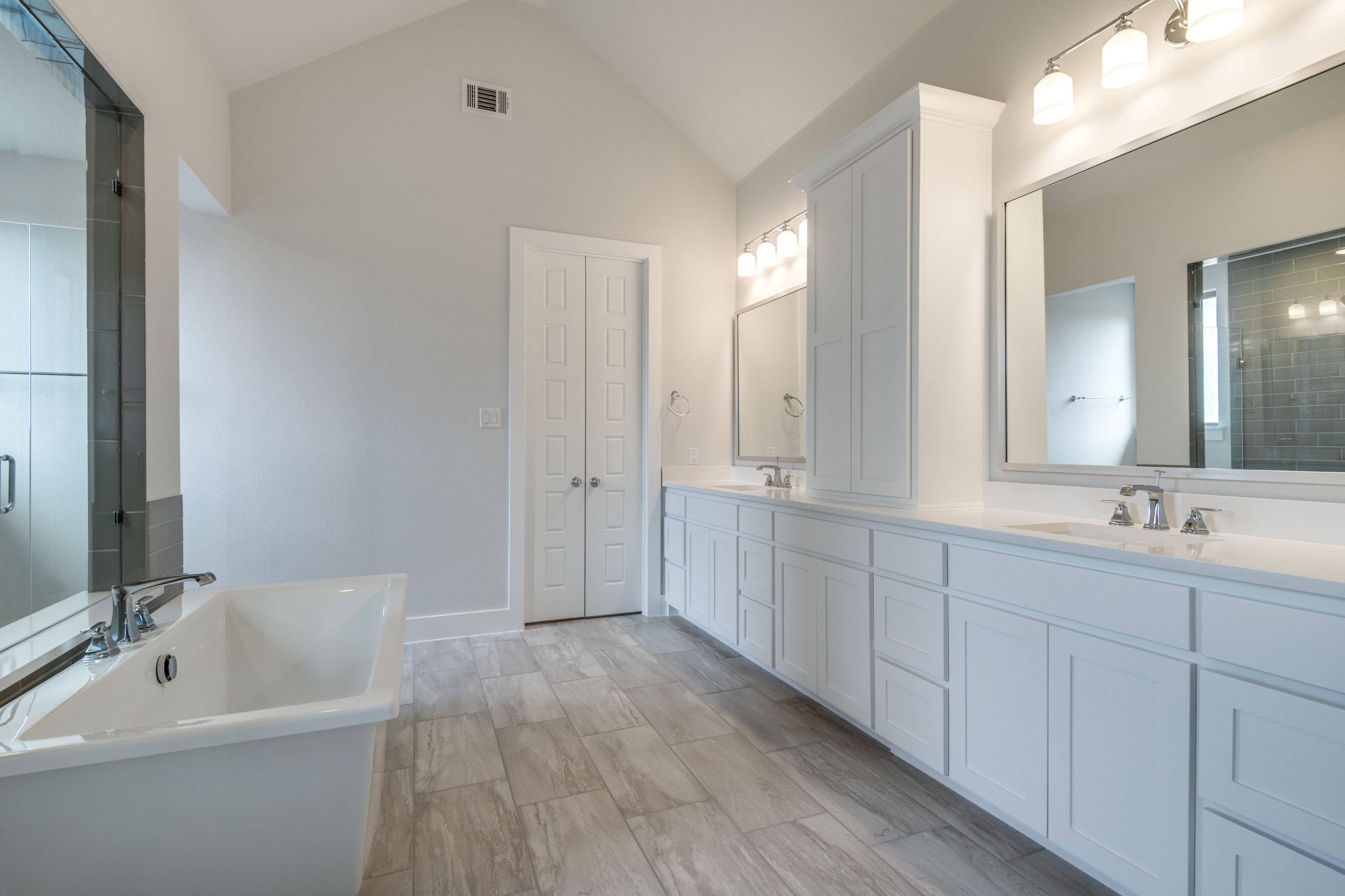 Bathroom featured in The Ashland | 50214.1 By Southgate Homes in Dallas, TX