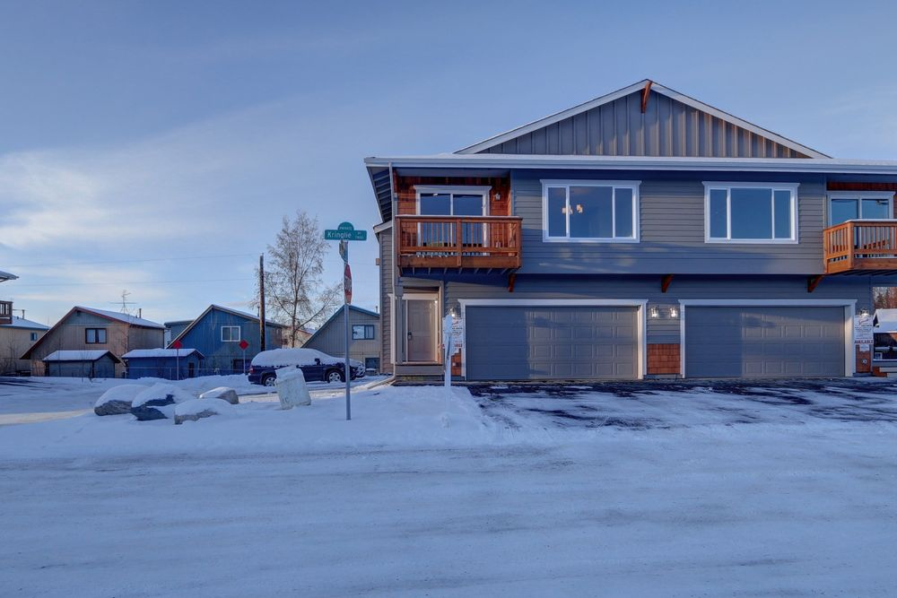 Cantwell 1657 model at 7870 kringle place 9 for Home builders anchorage ak
