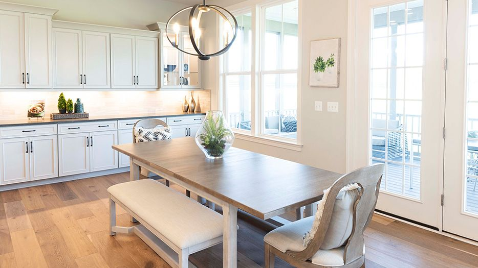 Dining-in-Taylor-at-Summerhouse Landing-in-Herndon