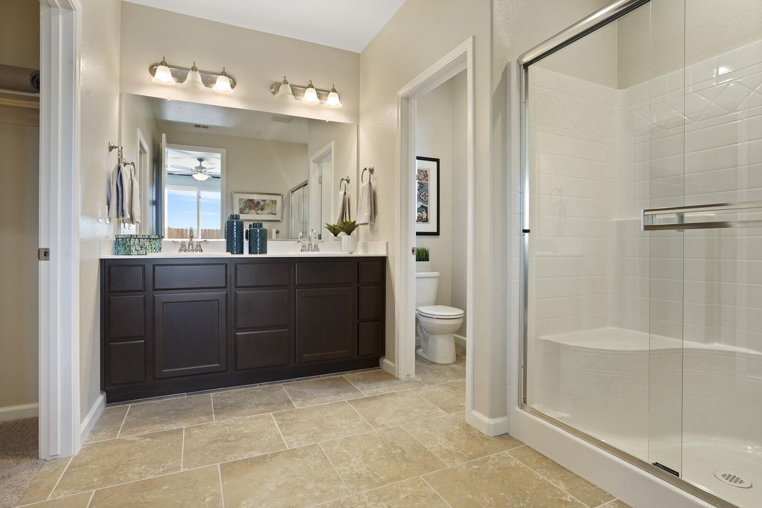 Bathroom featured in The Cascade By Stonefield Home in Merced, CA