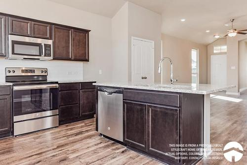Kitchen-in-1475-at-Yowell Ranch-in-Killeen