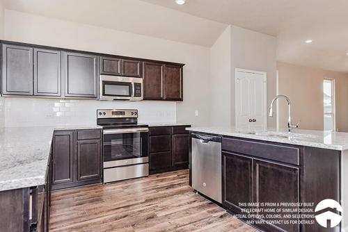 Kitchen-in-1475-at-Sterling Ridge-in-Huntsville