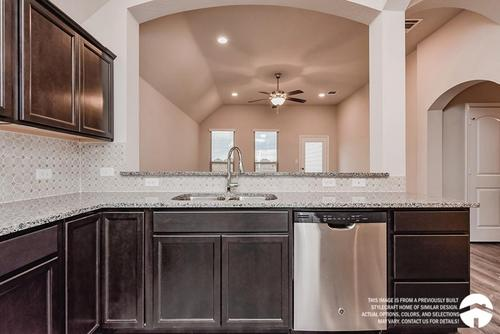 Kitchen-in-1363-at-Yowell Ranch-in-Killeen